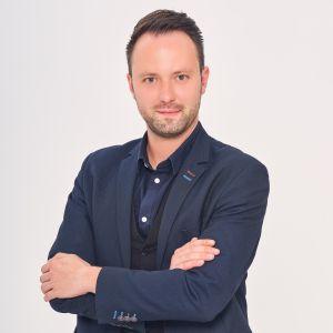 Adrian Ekiert
