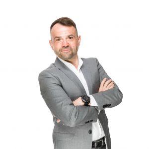 Adam  Dubiella